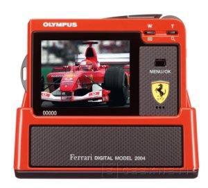 Excelente diseño de la Olympus Ferrari 2004 que no dejará indiferente a nadie, Imagen 1