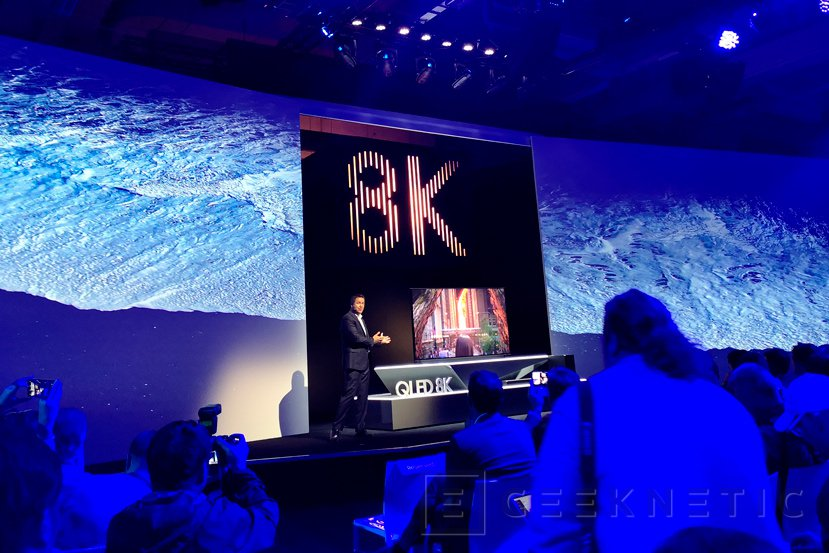 e15ffb6f609bd Samsung también se apunta a los 8K con su TV Q900R QLED con HDR10+ y ...