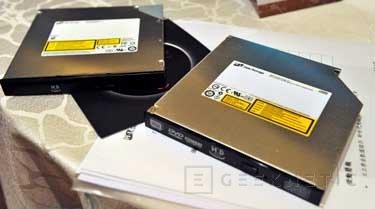 Hitachi-LG presentan la unidad HyDrive. Mitad unidad óptica, mitad SSD, Imagen 1