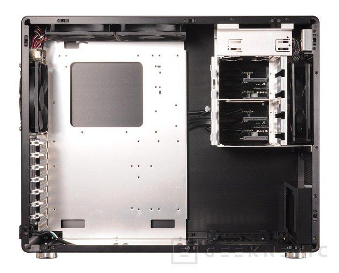 El chasis más pequeño de Lian Li para placas ATX se llama V700, Imagen 1