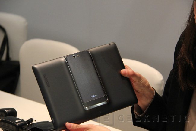 MWC 2013. ASUS PadFone Infinity, Imagen 3