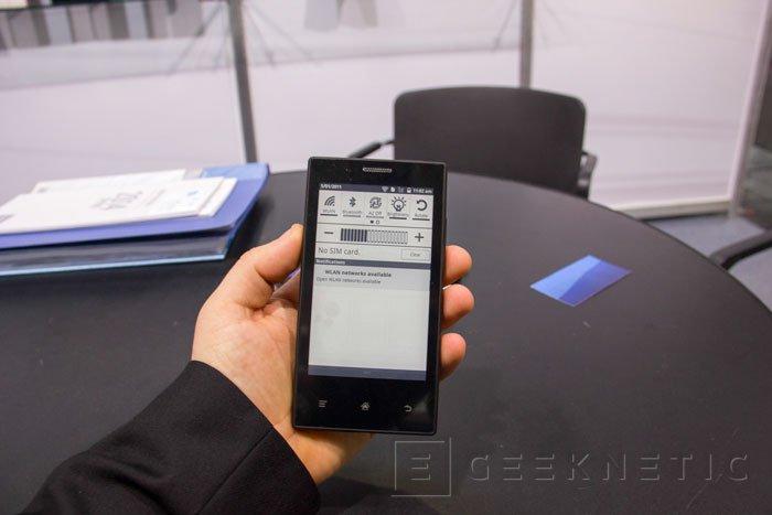 El MIDIA InkPhone tiene una autonomía de 2 semanas gracias a su pantalla de tinta electrónica, Imagen 1