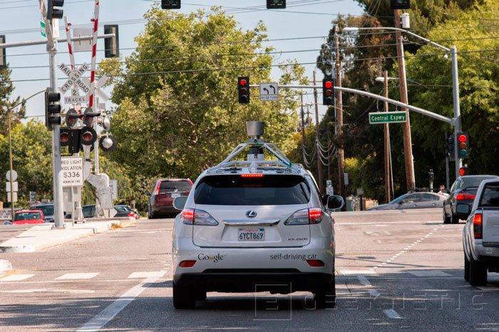 Google muestra un vídeo del funcionamiento de su coche autónomo en un entorno real, Imagen 1