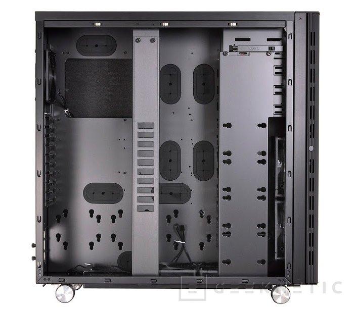 Lian Li introduce el modelo PC-V2130 supertorre, Imagen 3