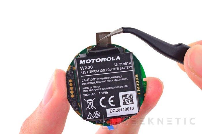Los chicos de iFixit destripan el Motorola Moto 360 y descubren algunas sorpresas, Imagen 1