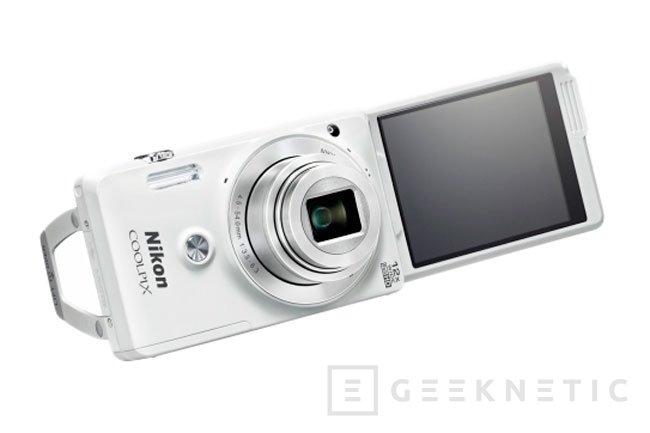 Nikon sucumbe a la moda de los selfies con la nueva COOLPIX S690, Imagen 2
