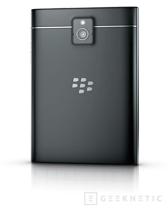 Blackberry vuelve a sus orígenes con la nueva Passport, Imagen 1