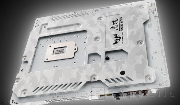 ASUS lanza una edición limitada  TUF Sabertooth Z97 Mark S con camuflaje ártico, Imagen 1