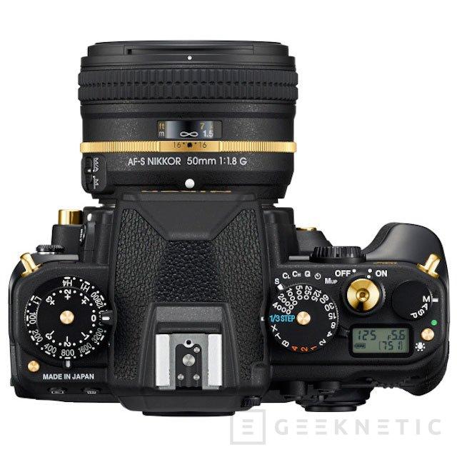 Nikon anuncia una edición limitada de su cámara Black DF con partes en oro, Imagen 2