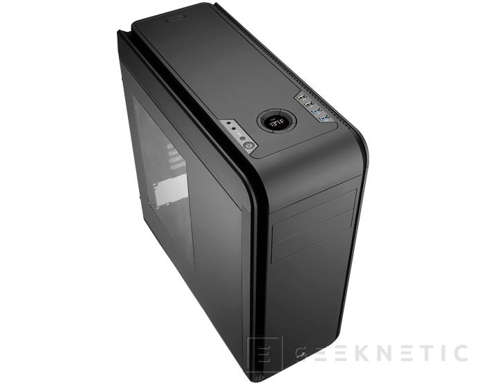 AeroCool hace más discreta su torre DS200 con un acabado negro, Imagen 1