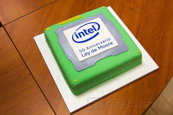 Intel celebra el 50º aniversario de la Ley de Moore, Imagen 1