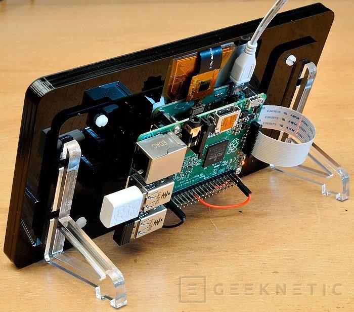 Lanzan una pantalla táctil oficial para las Raspberry Pi, Imagen 1