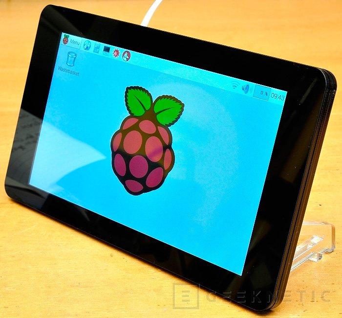 Lanzan una pantalla táctil oficial para las Raspberry Pi, Imagen 2
